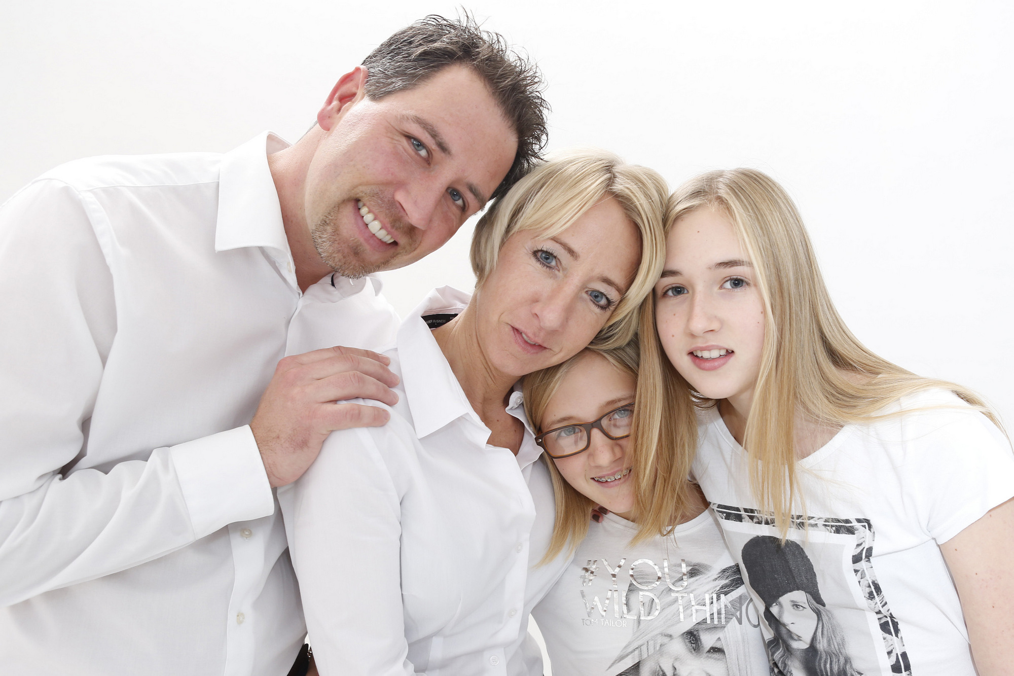 Familie_weiß_jeans