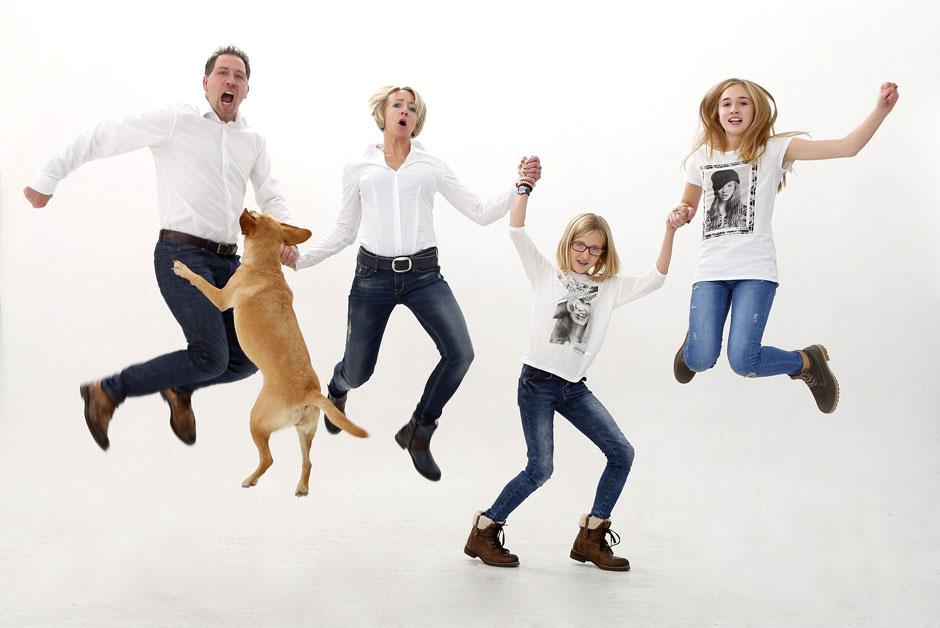 familie_sprung_hund